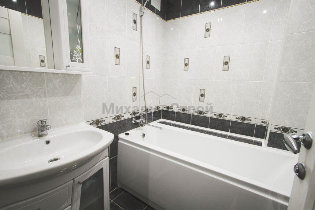 Фото ремонта ванной в черно белых тонах