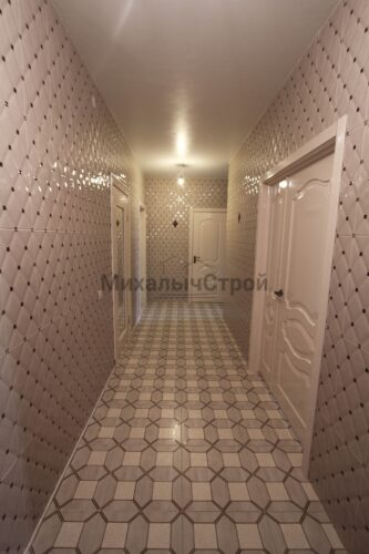 Отделка коридора плиткой