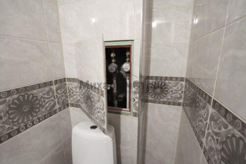 скрытый люк в туалете