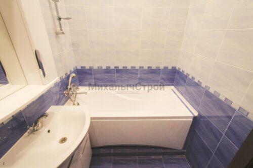 ванная комната сине белая